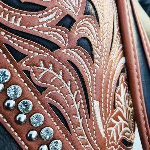 Montana West Bags - Montana West Black and Tan Ornate HoBo Bag
